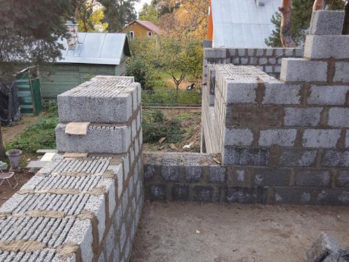 стены дома из керамзитобетонных блоков