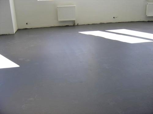 как выровнять бетонный пол под ламинат своими руками фото