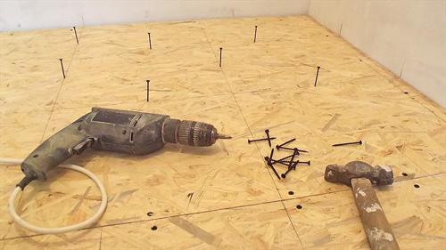 как подготовить деревянный пол под ламинат