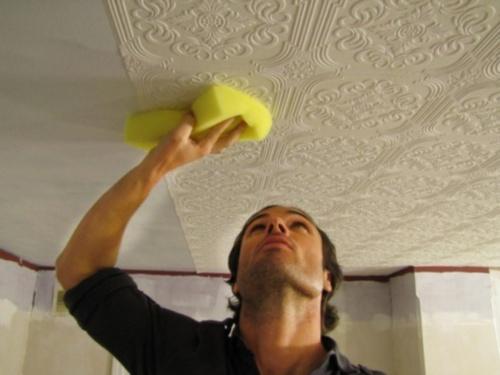 оклейка потолка обоями своими руками фото