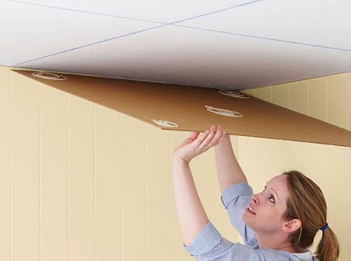 поклейка потолочной плитки своими руками фото