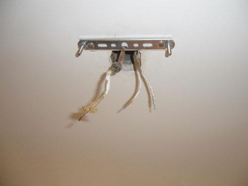 установка люстры на натяжной потолок своими руками фото