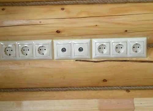 электропроводка в деревянном доме фото