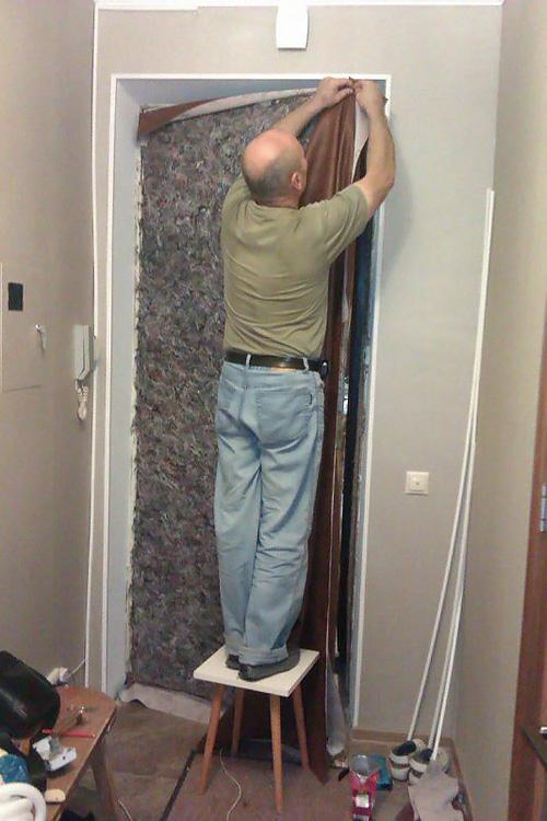 обивка дверей дерматином фото