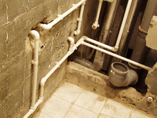 разводка труб  в ванной фото
