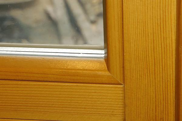 преимущества деревянных окон для дома и квартиры