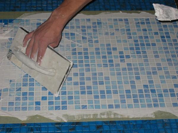 отделка бассейна мозаикой фото