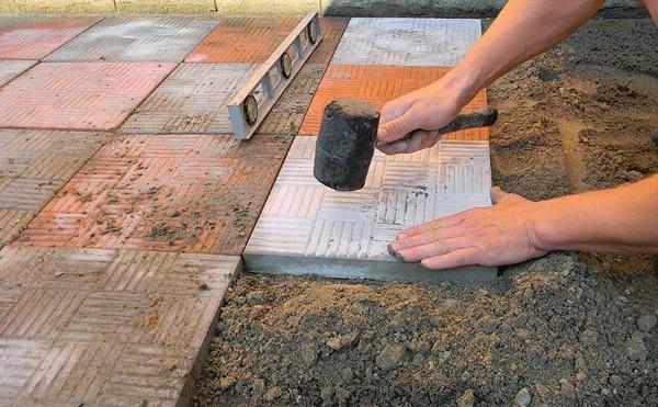 как правильно положить тротуарную плитку своими руками фото