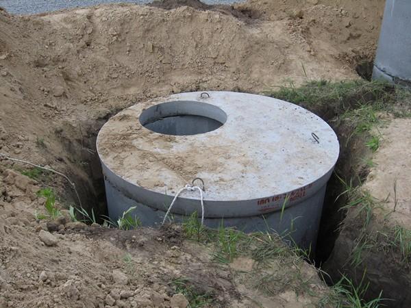 выгребная яма из бетонных колец фото