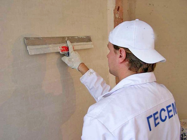 Как обшивать стены пластиковыми панелями своими руками