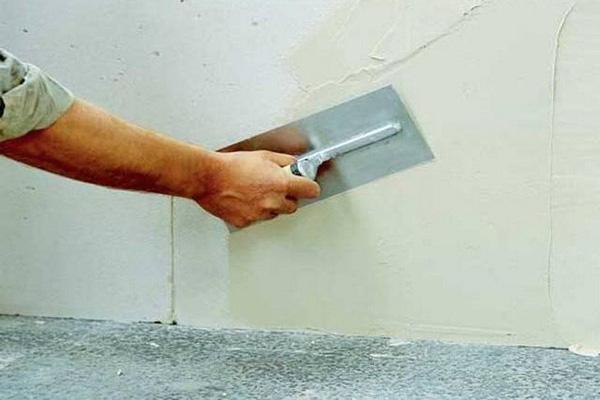 выравнивание стен шпаклевкой своими руками фото