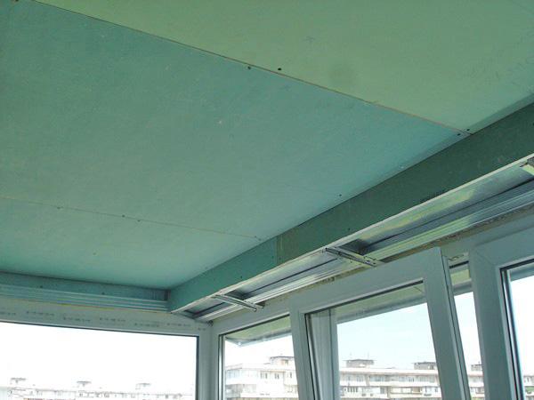 варианты отделки балкона: гипсокартон