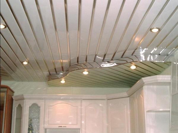 какие делают потолки на кухне