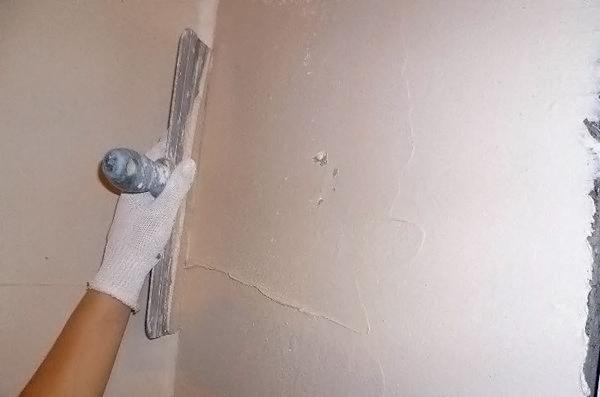 как наносить шпаклевку на стену фото