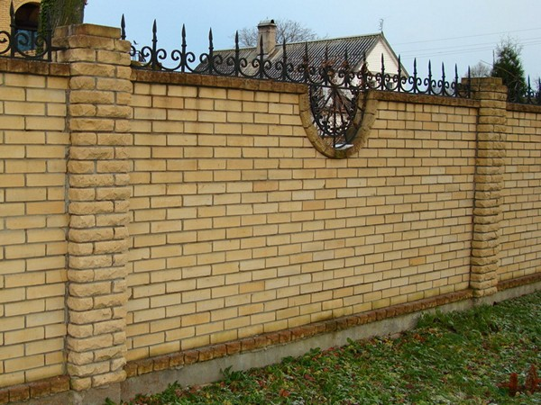 комбинированный забор для частного дома фото