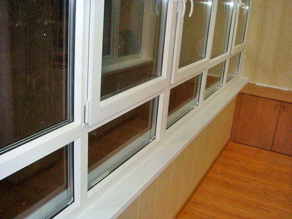металлопластиковое остекление балкона фото