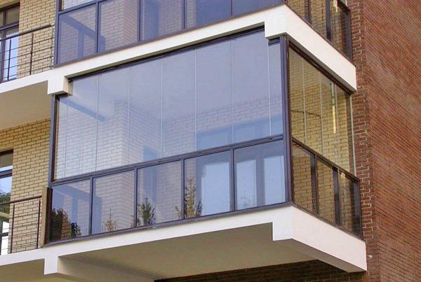 безрамное остекление балкона фото