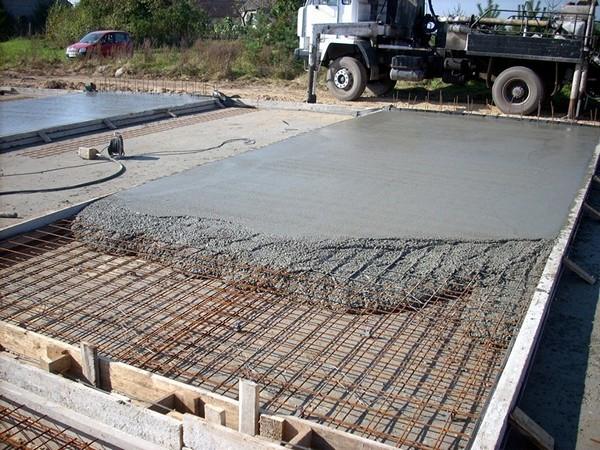 как сделать дорожки из бетона своими руками фото