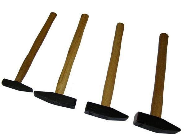 инструмент для электрика молоток