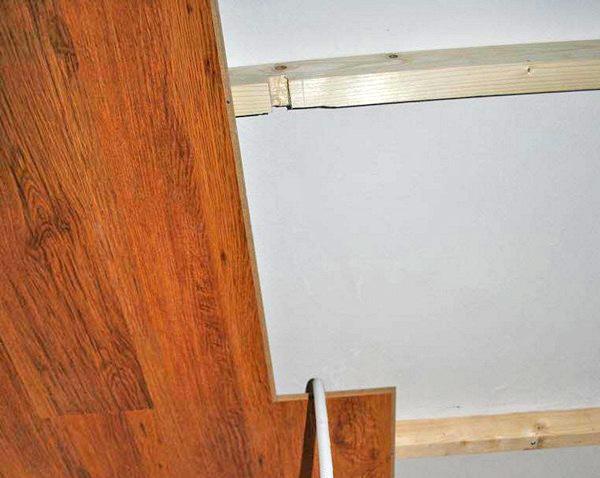 как крепить ламинат на потолок своими руками