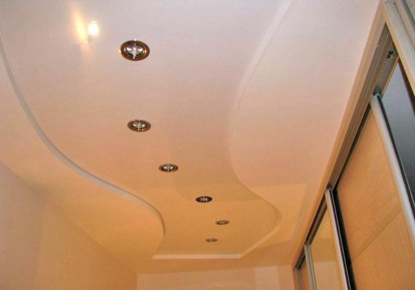 какой потолок сделать в коридоре