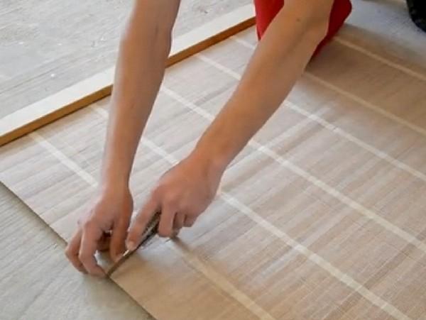 как резать бамбуковые обои фото