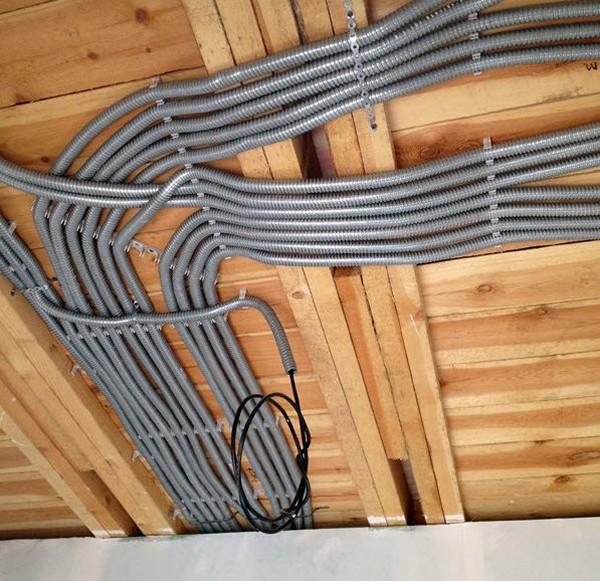 как спрятать кабель в квартире