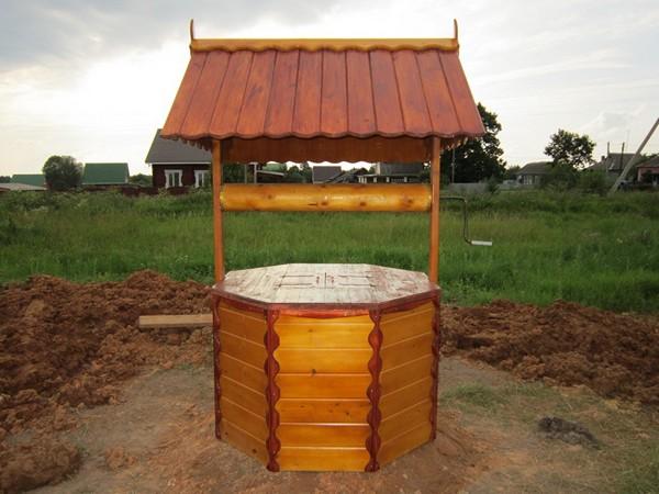 как построить домик для колодца своими руками