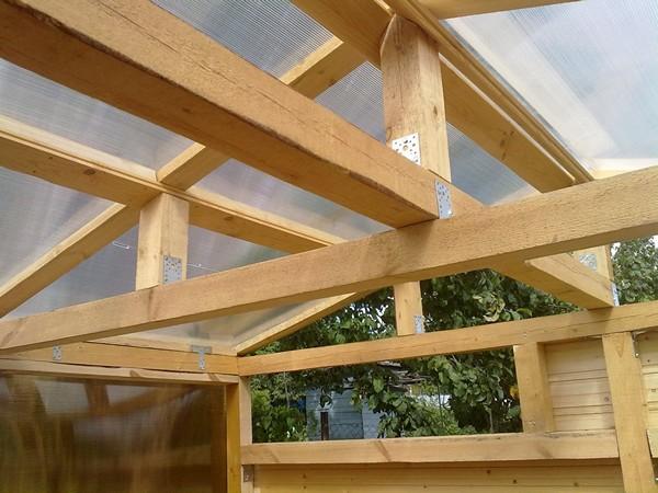 как сделать крышу из поликарбоната для веранды фото