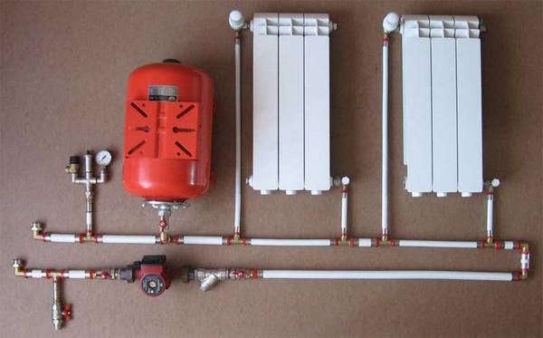 разводка отопления в двухэтажном доме фото
