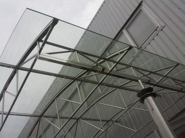 конструкция козырька над входом фото