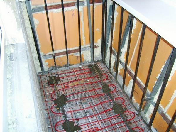 теплый пол на балконе под ламинат фото
