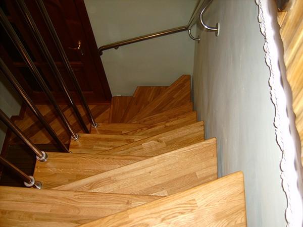 деревянная лестница гусиный шаг фото