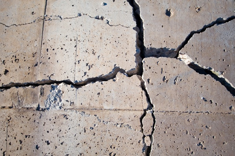 Ремонт бетонного пола: способы устранения повреждений