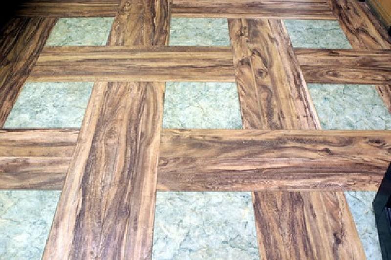 Кварцвиниловая плитка: особенности и разновидности материала