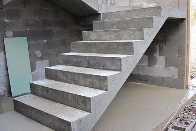 изготовление лестниц из бетона фото