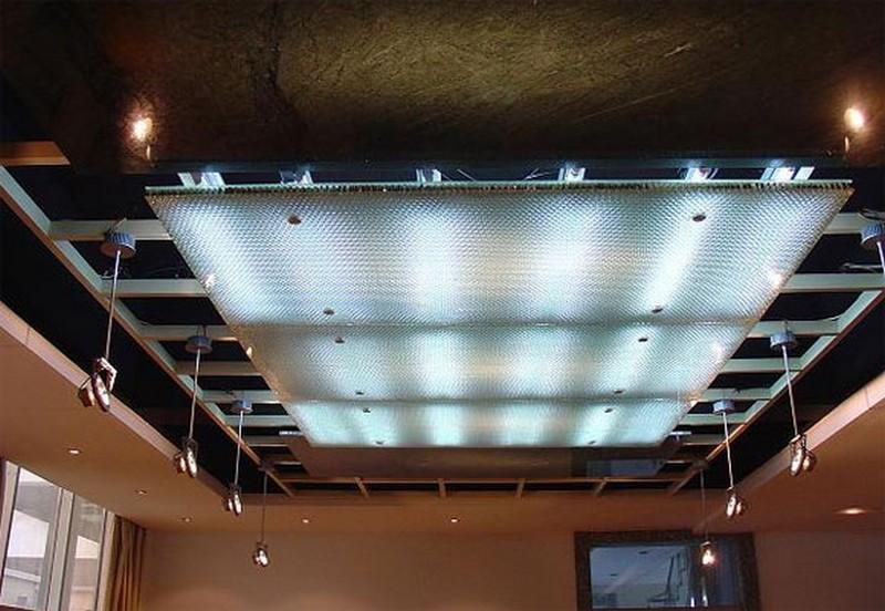 стеклянный потолок с подсветкой фото