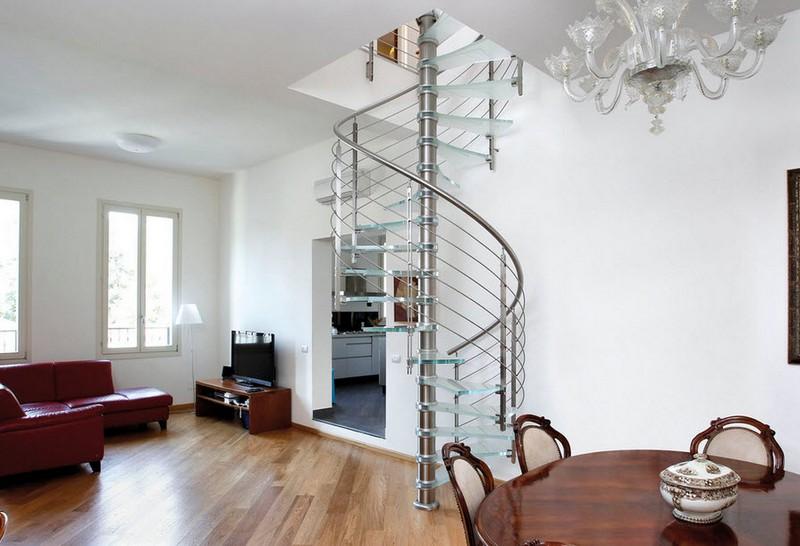 винтовая стеклянная лестница фото