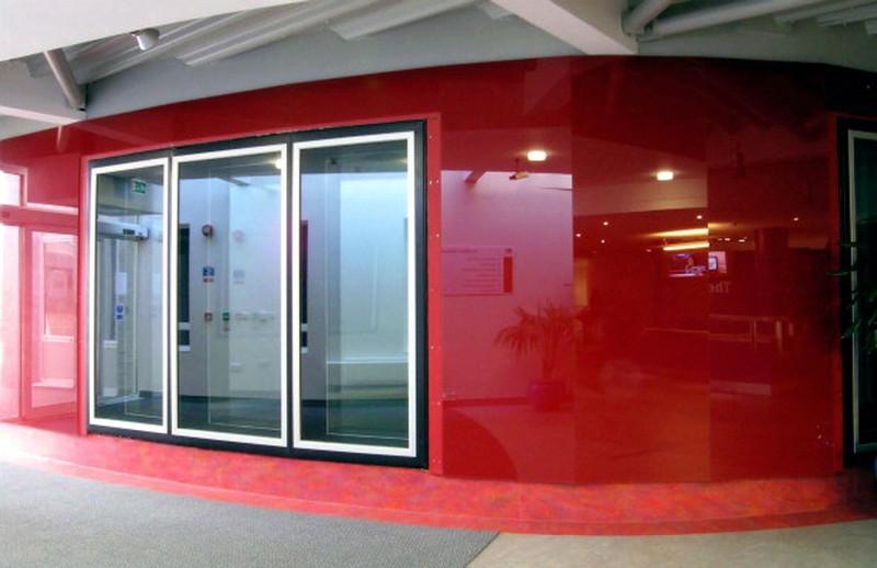 радиусные стеклянные панели фото