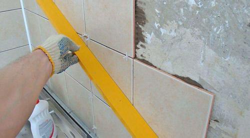 Как плитку на стену сделать своими руками
