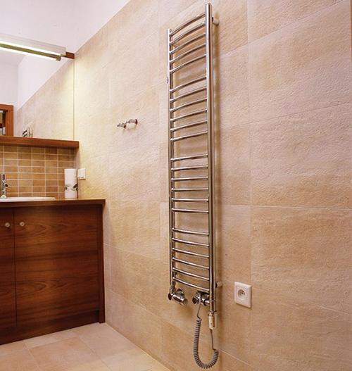 монтаж полотенцесушителя в ванной