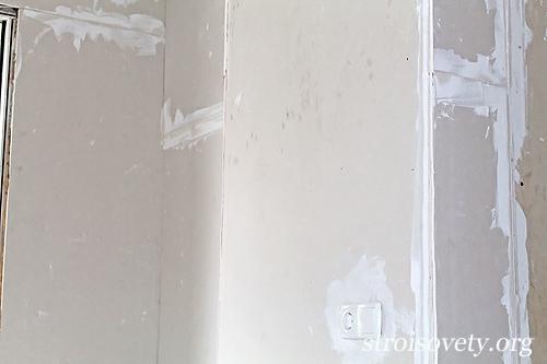 наклеенный на стену гипсокартон фото