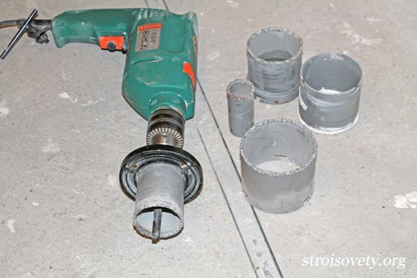 как правильно вырезать круглое отверстие в плитке