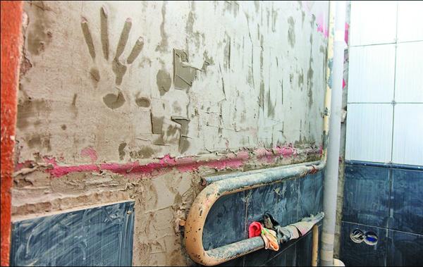 как заменить трубы  в ванной комнате своими руками
