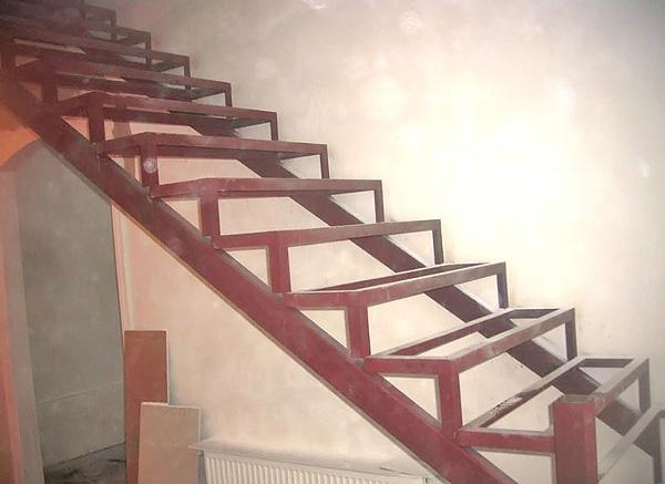 Лестницы для дома своими руками фото