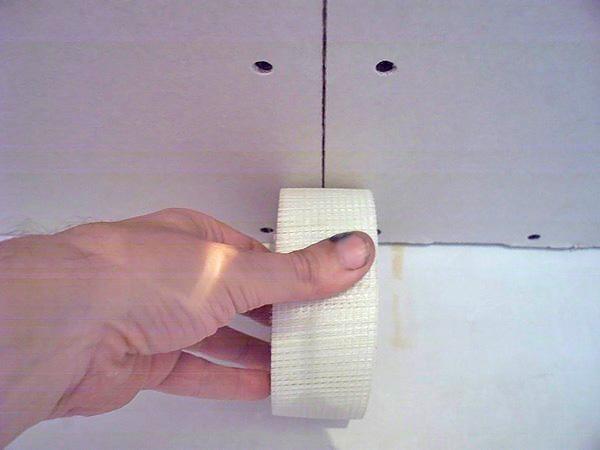 как заделать швы гипсокартона на потолке фото