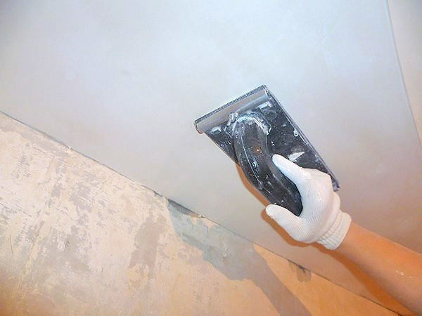 как выровнять потолок под покраску своими руками фото