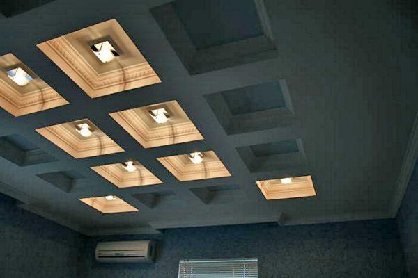 кессонный потолок с подсветкой фото