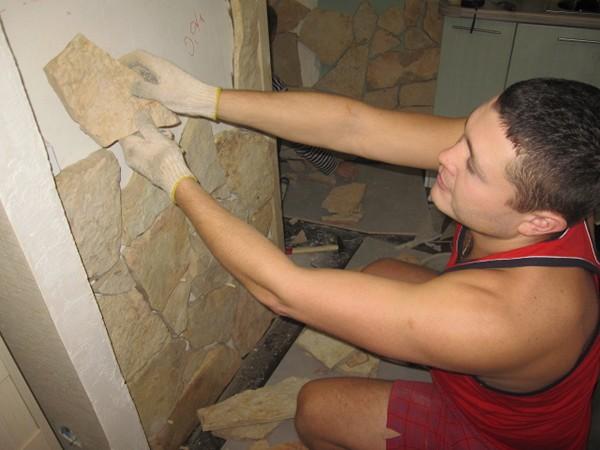 Отделка стен декоративным камнем: как его приклеить своими руками, Строй Советы