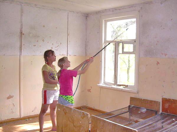 побелка потолка своими руками фото
